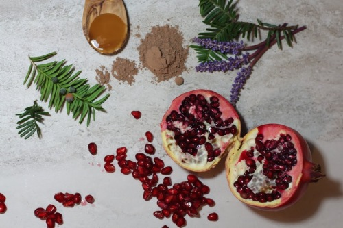 Yuve Super Facial Mask with Pomegranate